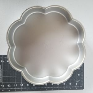 Wilton Flower Cake Pan